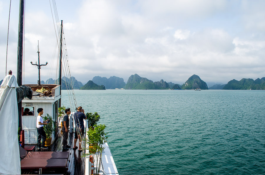 Ha Long Bay Cruise on Dragon Pearl Junk